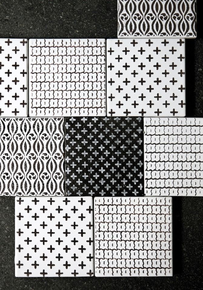 Black/white Tiles with cross