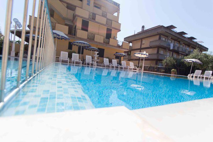 #piscina #vacanza #turismo #grottammare #residence costazzurra http://www.costazzurraresidence.it/