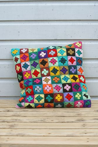NO pattern, but tons of granny square on Pinterest. Like the no ridges join. Very colourful and just for inspiration only. Or for me to ogle :P xox