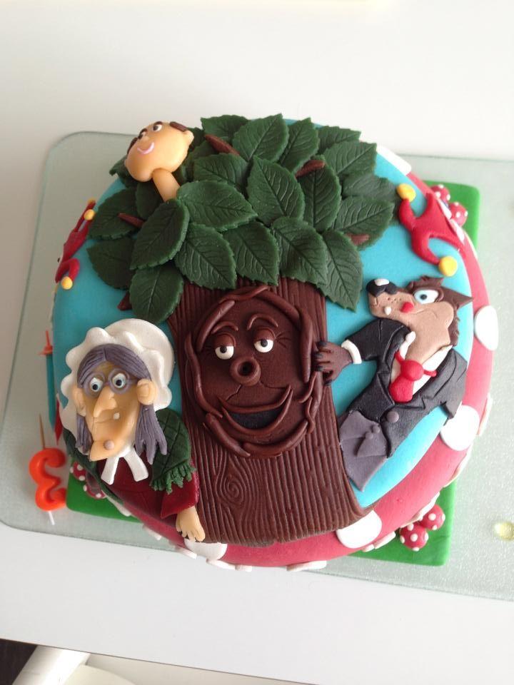 De vriendin van Penny Seebregts maakte deze vrolijke Sprookjesboom taart voor haar zoon.