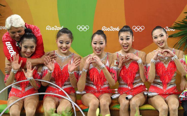 #新体操 決勝が行われが金、が銀、が銅です 代表の畠山愛理選手、松原梨恵選手、熨斗谷さくら選手、杉本早裕吏選手、横田葵子選手は8位。2日間お疲れさまでした #オリンピック #リオ2016