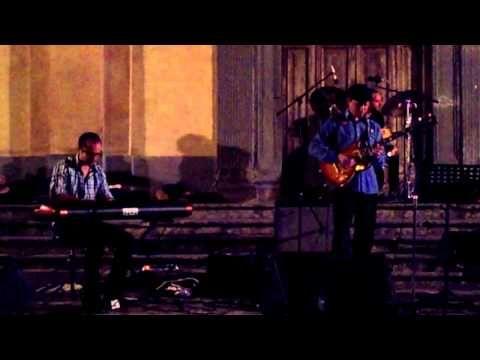 Cherokee by Ray Noble  Rosario Giuliani - sax Kurt Rosenwinkel - guitar Tomas Jochmann - piano  Enrico Mianulli - double bass Dario Panza - drums  Notte Bianca in Bagnoregio 3.8.2013  http://www.rosariogiuliani.com http://www.kurtrosenwinkel.com http://www.tomasjochmann.com  #kurtrosenwinkel