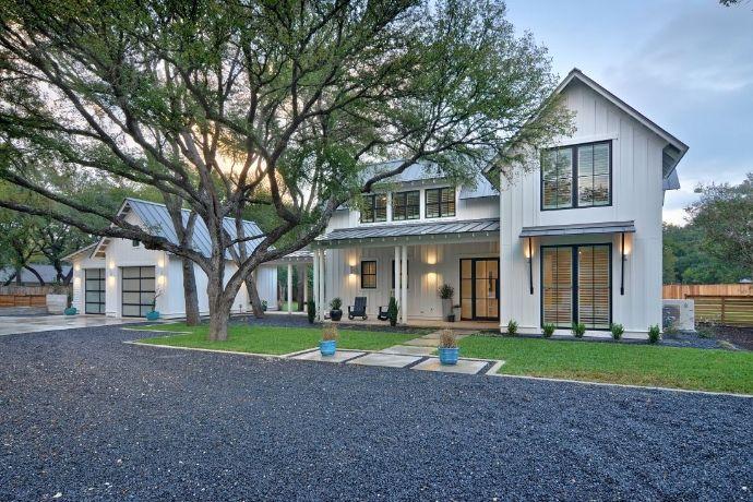 Modern Farmhouse, Austin. Redbud Custom Homes.