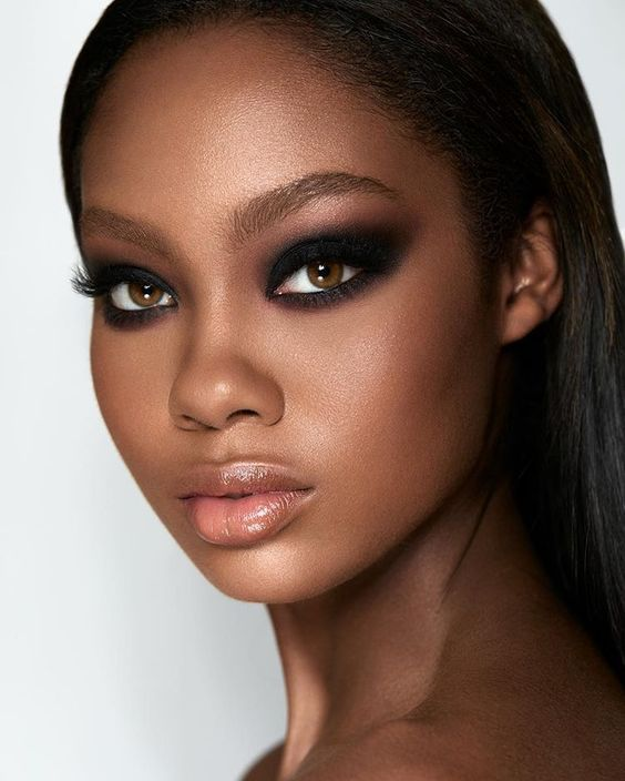 Olho esfumado para arrasar na balada   Makeup looks, Beauty routines, Makeup