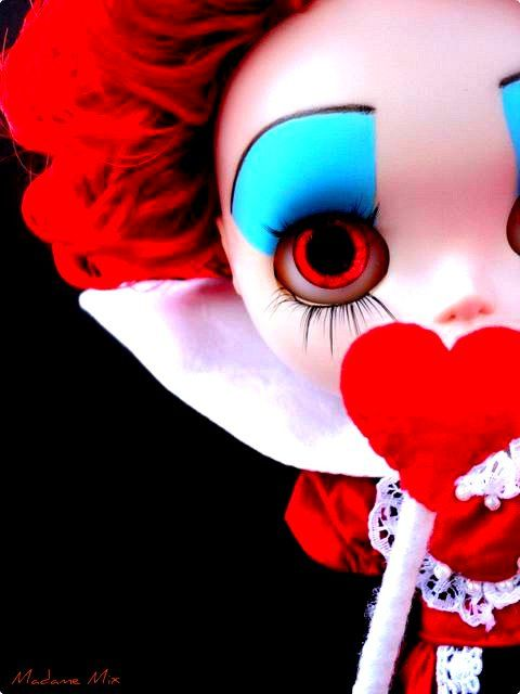 Queen of hearts,,,,,,,,,,,OF WITH THERE HEADS!!!