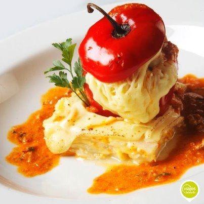 Exquisita receta de Rocoto Relleno, cómo preparar rocoto con relleno de carne. #Recetas #ComidaPeruana