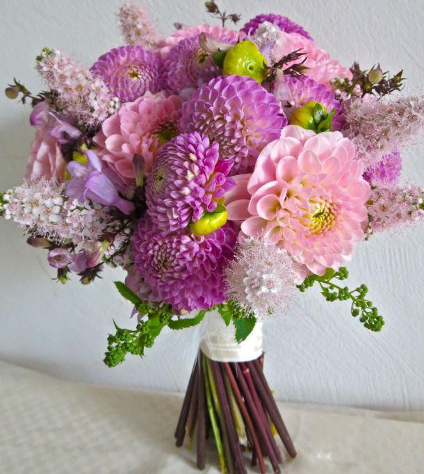 best 25 lavender bridal bouquets ideas on pinterest. Black Bedroom Furniture Sets. Home Design Ideas