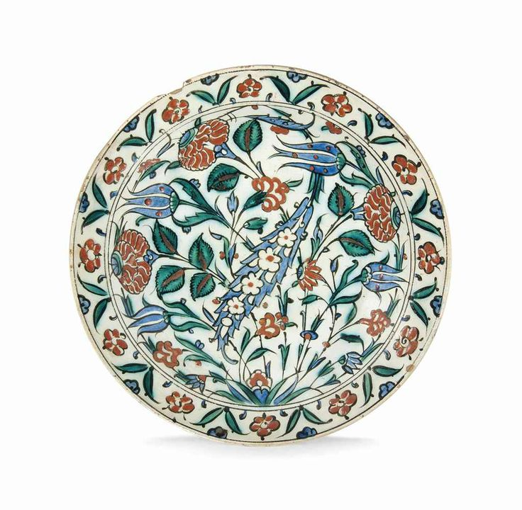 A large Iznik pottery dish Ottoman Turkey, late 16th century