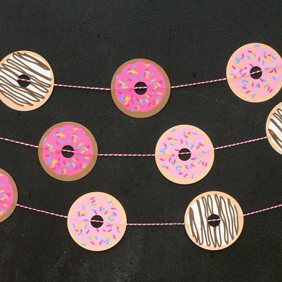 The easiest Donut Garland EVER! Because who wouldn't want donuts to decorate the room?!