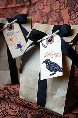 Classy Halloween Wedding | Halloween Wedding Favor Bags and Ideas to Treat Guests