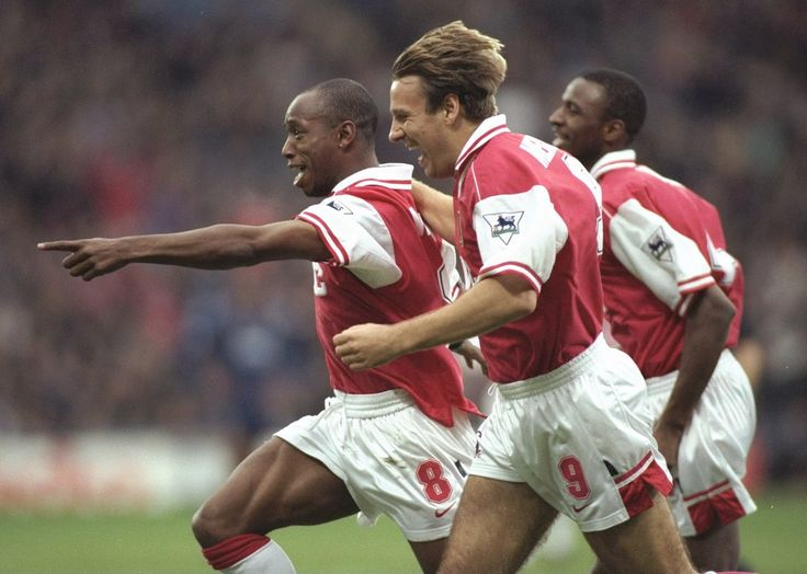 Ian Wright,Paul Merson y Patrick Vieira del Arsenal.