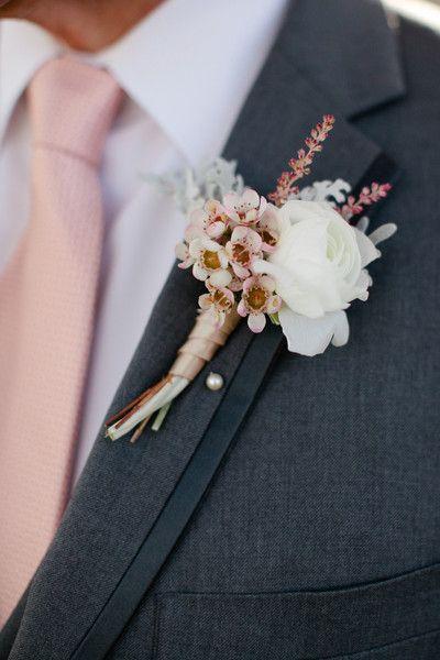 Champagne Hued #Boutonniere I Maine Seasons Events I #groom #groomsmen