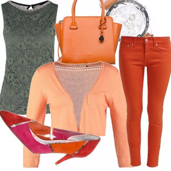 L'arancio- il colore trendy della primavera 2015,... un colore che rimanda la nostra mente all'estate, a frutti tropicali e pelli ambrate baciate dal sole.   Un colore fresco e trendy, che ben si contrasta col top di pizzo nero, un must negli armadi di tutte le fanciulle, dalle più romantiche alle più rockettare.