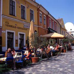 The main street of Szentendre, still glorious in the autumn sunshine.