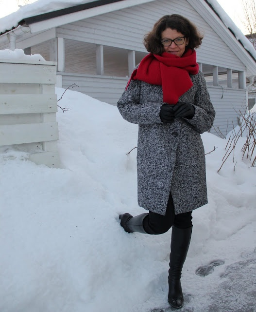 cocoon coat red scarf