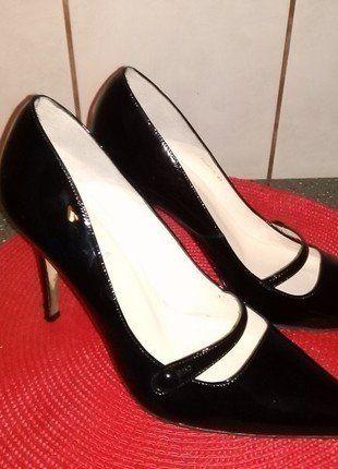Kup mój przedmiot na #vintedpl http://www.vinted.pl/damskie-obuwie/na-wysokim-obcasie/16380844-czarne-elegancki-buty