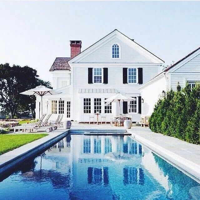 Dr mhus pool new england hus hem pinterest - Houses in england with swimming pools ...