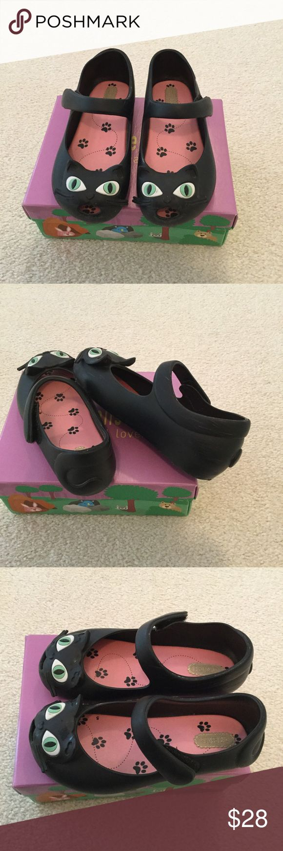 Mini melissa cat shoes Sz10 GUC! Some scuffs and scratches all over, insole is clean. Still lots of life left. Comes with original box. mini mellisa Shoes Dress Shoes