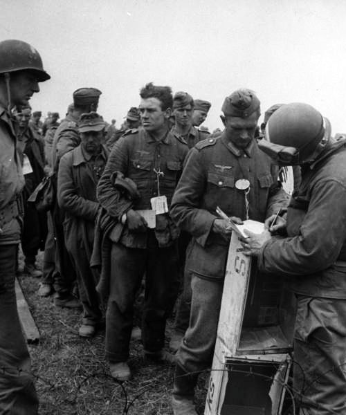 prisoners of war during wwii essay The treatment of prisoners of war in world war ii created date: 20160807054327z.