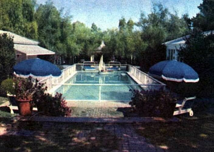 Pool At Joan Crawford S Home 26 North Bristol Drive