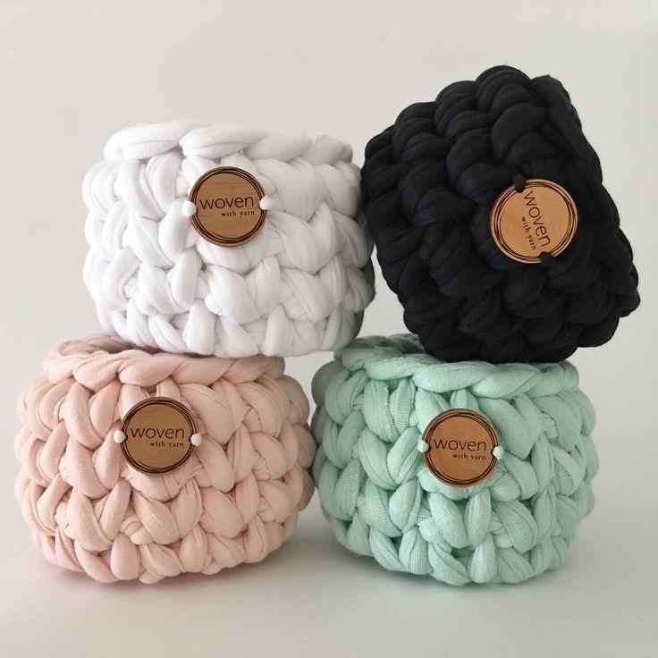 Chunky crochet mini baskets