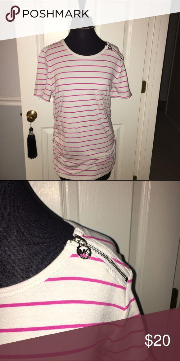 Michael Kors long shirt Long Michael Kors tshirt, really comfortable. Gray with pink stripes, Michael Kors zipper on the right top shoulder. Never been worn! Michael Kors Tops Tees - Short Sleeve