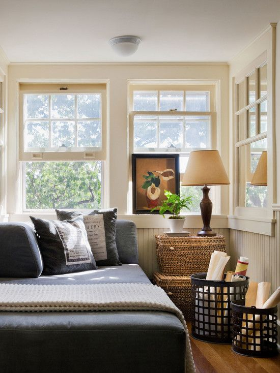 Compilations of Decorating Ideas for Small Bedrooms  Traditional Small  Bedroom Design Ideas With Conventional Windows. 17 Best images about Big Ideas for my Small Bedrooms on Pinterest
