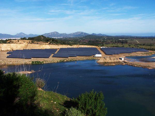 Campo fotovoltaico, bonifica cava dismessa.