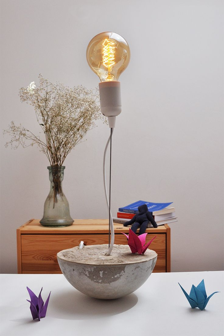 Diese Schreibtischlampe aus Beton ganz leicht selber machen im Workshop. Durch…