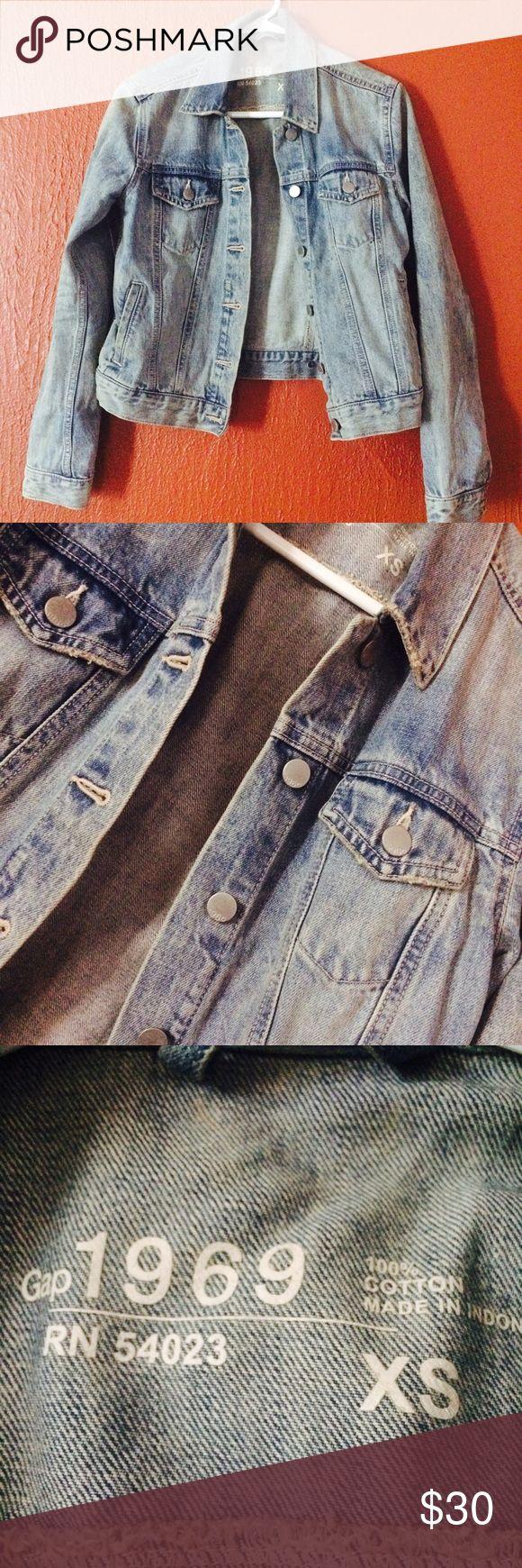 GAP 1969 Denim jacket Gap 1969 Denim jacket medium indigo size XS GAP Jackets & Coats Jean Jackets