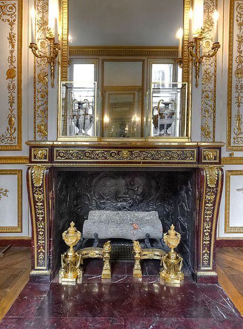 Pin by rhonda magic on palace of versailles france for Chambre louis xvi versailles