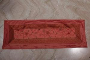 Best online Indian Silk bed runners store rajasthanisarees.com provides bed runners, bed throws and runners, bed scarves and runners, king size bed runners, bedding runners, quilted bed runners, bed runners and throws, bedroom runners, runners for beds, silk bed runners and many more.
