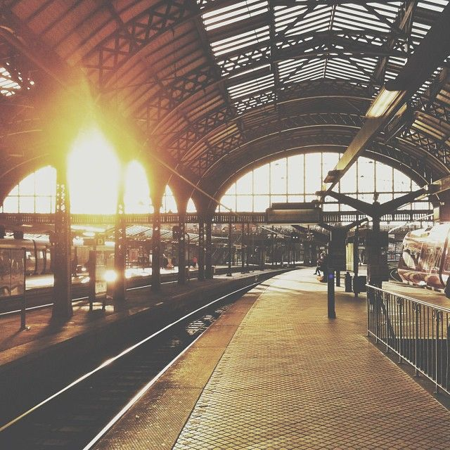 Low autumn sun #copenhagen #central #station #sun #train #vsco #vscocam #vscophile #vscofeature #snapseed #iphoneonly