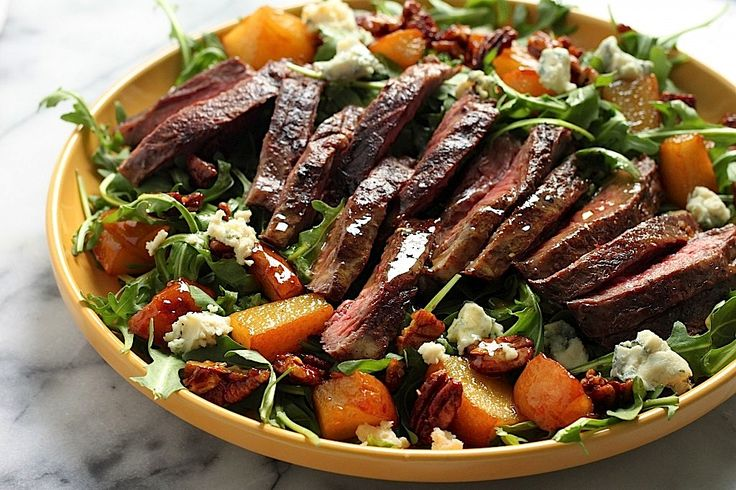 I'm currently trying to get us in the groove of eating more… salad. It's actually a pretty big challenge, since we both need REAL meals for dinner, and love pasta/ bread/ and all things fatty/naughty/and carb loaded… but I'm trying my best to stick to it! When I saw we had some skirt steak hiding...