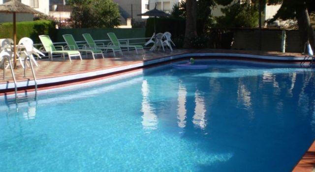 Apartamentos El Oasis - #Apartments - $121 - #Hotels #Spain #Benicarló http://www.justigo.uk/hotels/spain/benicarlo/apartamentos-el-oasis_24732.html