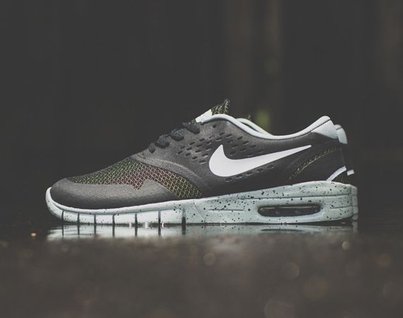 Getting in the mood for summer, Nike SB drops this new version of Eric Koston's signature model. Reverting to a classic black colorway, this Koston 2 Max comes with Venom Green accents inside the shoes, alongside the toe box and tongue mesh paneling. Contrasting white Swoosh and … READ MORE