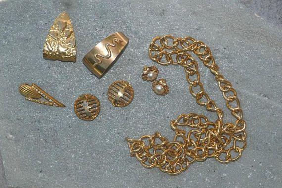 Vintage Gold Tone Faux Earrings Lot White Pearl Single Earring