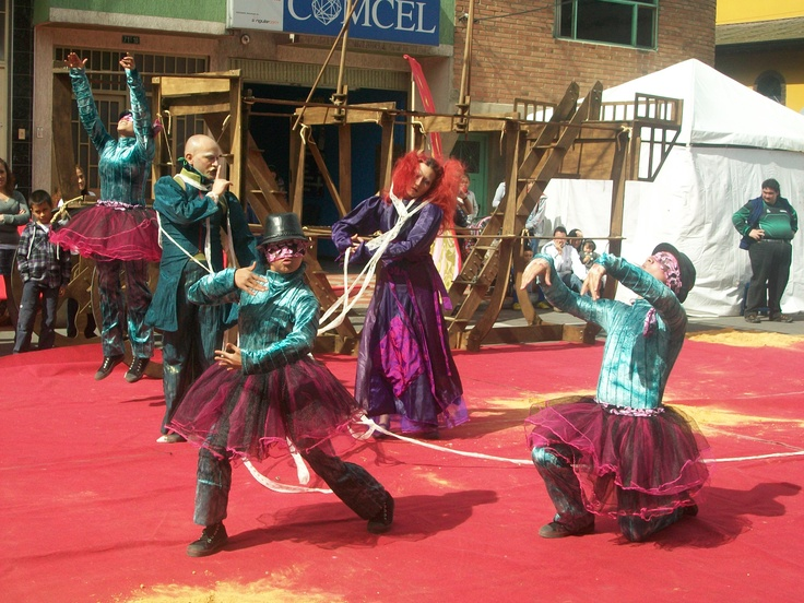 Comparsa Banda Fantasma. Foto cortersía del Festival de Teatro