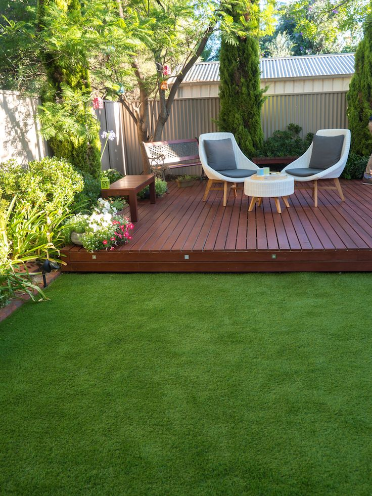 Stylish decking and artificial lawn by Australian Outdoor Living