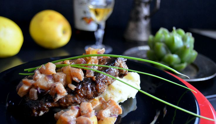 Savori Urbane | Ficat de vitel cu Calvados si mere | http://savoriurbane.com