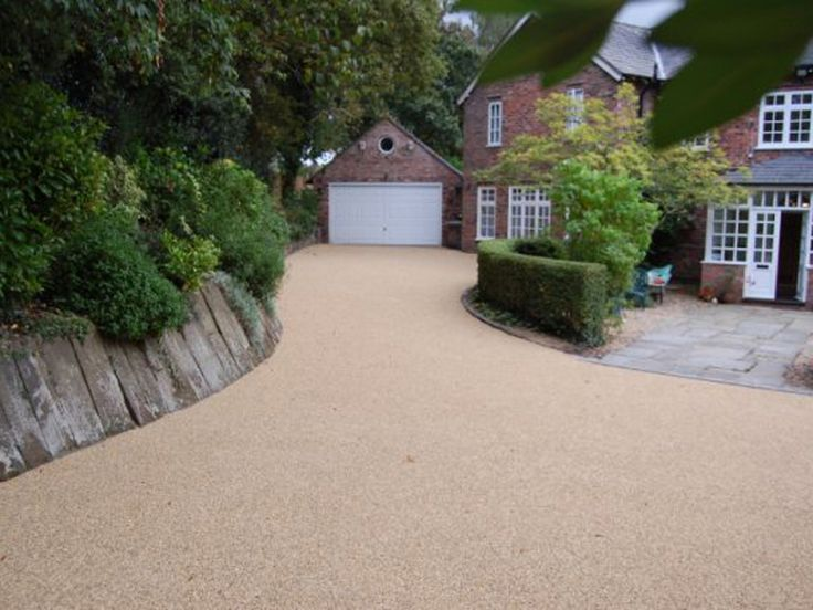 Resin-bound pavement