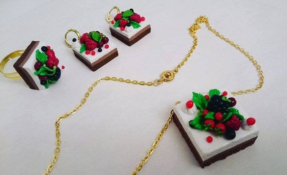 Delicate jewelry set handmade from polymer clay от CurlyTuranStore