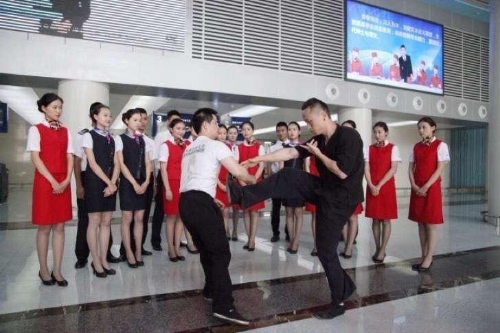 De defensa personal - Deben aprender artes marciales como kung fu y tae kwon do
