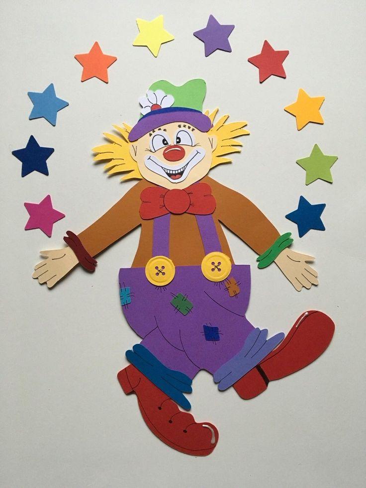 """FENSTERBILD Tonkarton Clown Karneval Deko Handarbeit Motiv 21 NEU XXL - EUR 7,50. Hier können Sie ein handgefertigtes Fensterbild erwerben. """"CLOWN MIT VIELEN STERNEN"""" Es besteht aus Tonkarton 300g/m². Das Bild wurde liebevoll verziert und mit kleinen Details versehen. Es ist beidseitig gearbeitet, daher gut für ein Fenster geeignet, aber auch schön für die Wand oder Türe. Länge ca. 32 cm Breite ca. 23 cm (Luftballons, Bonbon, Sterne oder ähnliches wurde nicht bei der Länge und Breite ber..."""