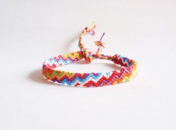 Friendship Bracelet zigzag made to order by TroisPommesVertes, $4.50
