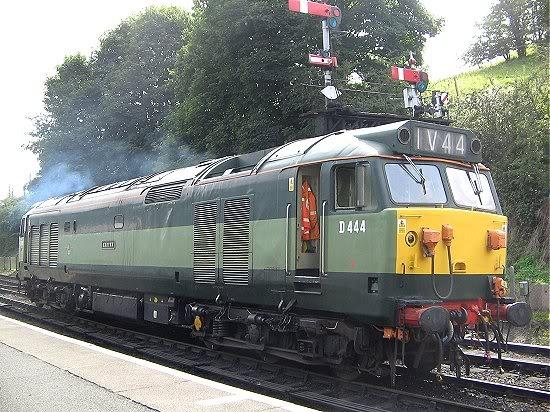 Class 50 50444 (D444) Exeter