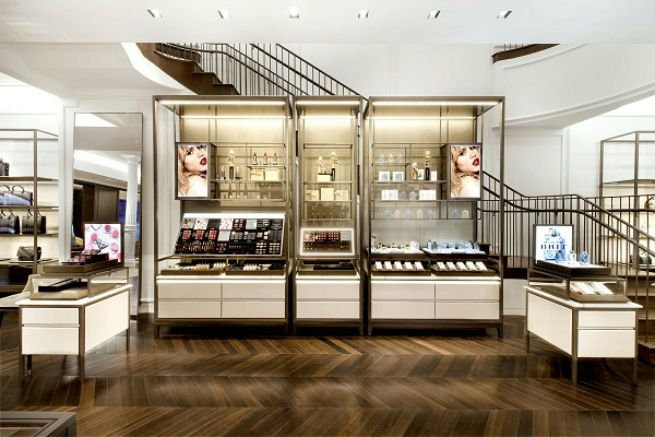 American customers are a key market for Burberry. The classic British brand recently opened stores on Rodeo Drive in Los Angeles, the Design District in ...