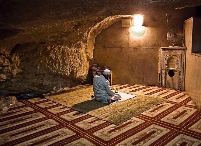 Dome of the Rock-قبة الصخرة: مغارة الارواح - قبة الصخرة