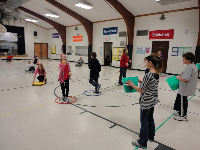 Carly's PE Games: P.E. Christmas Games