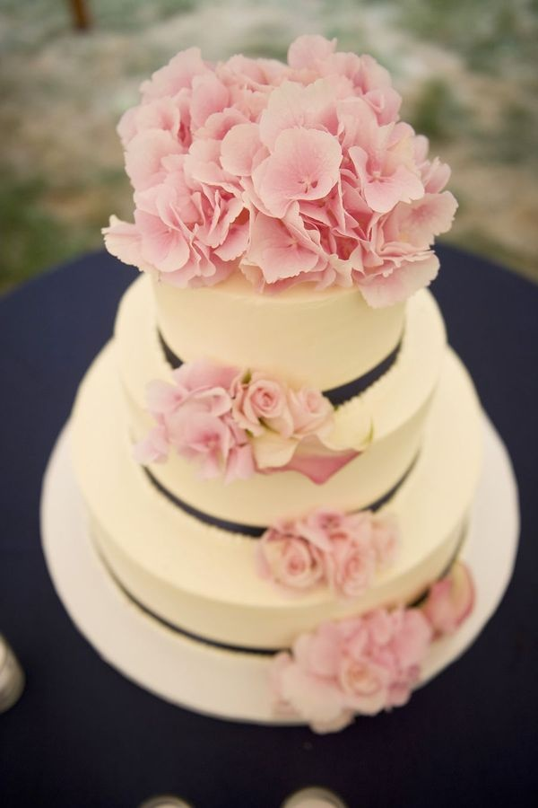 Incorporate the colour pink into your #wedding #cake through flowers, ribbon or icing. In this case, #hydrangeas are beautiful and effective. #pink #inspiration